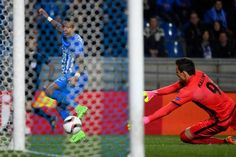 JeanPaul Boetius forward of KRC Genk Lovre Kalinic goalkeeper of KAA Gent during the Europa League Round of 16 2nd leg game between KRC Genk and KAA...