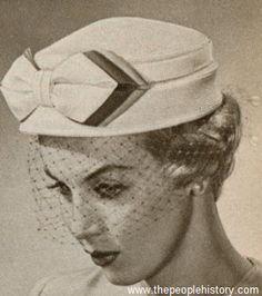 Bow Toque 1959