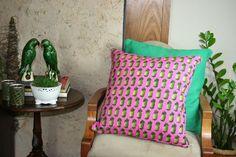 almofada, almofada decorativa, abacaxi rosa,  almofada estampada, tecido again, almofadas decorativa, almofada abacaxi, rosa, abacaxi, frame, branco e estampada.