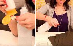 """Si no tuviste tiempo de planchar una prenda, rocía esta mezcla ¡y adiós arrugas!    Planchar seguramente sea la tarea del hogar que menos nos gusta hacer, y seamos realistas, hay que hacerlo, por mucho que intentemos tender la ropa bien estirada, echarle productos a la lavadora """"anti-arrugas"""", a Car Hacks, Home Hacks, Diy Cleaning Products, Cleaning Hacks, Homemade Air Freshener, House Smells, Smell Good, Diy Videos, Clean House"""