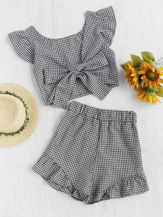 Shop Gingham Frill Trim Bow Tie Back Top With Shorts online. SheIn offers Gingham Frill Trim Bow Tie Back Top With Shorts & more to fit your fashionable needs. Cute Summer Outfits, Trendy Outfits, Kids Outfits, Cute Outfits, School Outfits, Teen Fashion, Fashion Clothes, Fashion Outfits, Miami Fashion