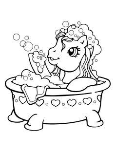 Petit poney fait des bulles dans son bain