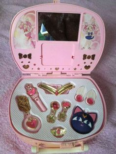 Shared by Kawaii Village. Find images and videos about cute, pink and anime on We Heart It - the app to get lost in what you love. Sailor Moon Merchandise, Anime Merchandise, Sailor Moon Aesthetic, Pink Aesthetic, Sailor Scouts, Sakura Card Captors, Fran Fine, Desu Desu, Catty Noir