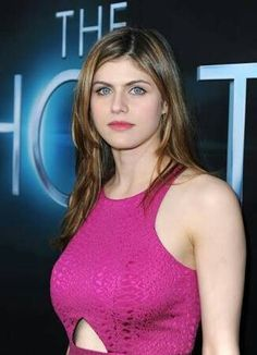 Pictures of Alexandra Daddario, Picture Alexandra Anna Daddario (born March is an American actress and model best known for playing Annabeth Chase in the Percy Jackson film series and Blake in San Andreas. Percy Jackson, Alexandra Anna Daddario, Gq, Beautiful Celebrities, Celebrity Pictures, Celebrity Women, Celebrity List, Hollywood Actresses, Beauty