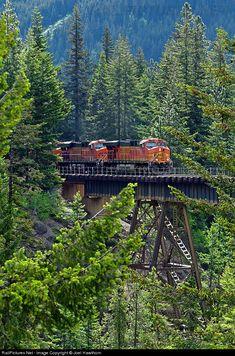 RailPictures.Net Photo: BNSF 7720 BNSF Railway GE ES44DC at Gaynor, Washington by Joel Hawthorn