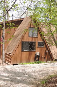 Private setting on Solitude Lake, this 2-bedroom chalet offers panoramic views of the lake. Plenty of outdoor entertaining options. Centrally located to the Lake Aspen Marina and beach area, championship golf course and recreation complex. 742 Solitude Point Dr., Innsbrook, MO http://www.innsbrook-properties.com/property/mo/innsbrook/63390/innsbrook/742-solitude-point-drive/531f6361960df90d5e00026b/