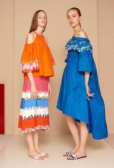 Peter Pilotto Resort 2017 fashion show - Pre-Spring-Summer 2017 collection, shown June 2016 Fashion 2017, Runway Fashion, Spring Fashion, High Fashion, Fashion Show, New Fashion, Womens Fashion, Fashion Design, Fashion Trends