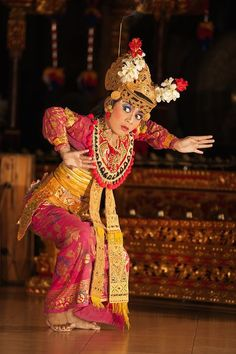 Welcome to Your Shot, National Geographic's photo community. History Of India, Art History, Voyage Bali, Dancing Baby, Blue Painting, Tiny Dancer, National Geographic Photos, Hinduism, Incredible India