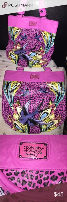 Ed Hardy Large Tote Bag This bag is in excellent used condition it just needs a new home ☺️ Ed Hardy Bags Totes