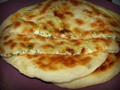 """Khachapuri"" este o plăcintă tradițională georgiană foarte gustoasă, care se… Georgian Food, Romanian Food, Cooking Recipes, Healthy Recipes, Good Food, Food And Drink, Favorite Recipes, Snacks, Baking"