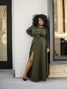 I had the chance to play in and with Atlanta based plus size designer, Christian Omeshun's Holiday Collection and I am sharing my pictures with you!   First Look: Playing Around in the Christian Omeshun Holiday Collection! http://thecurvyfashionista.com/2016/11/christian-omeshun-holiday-collection/