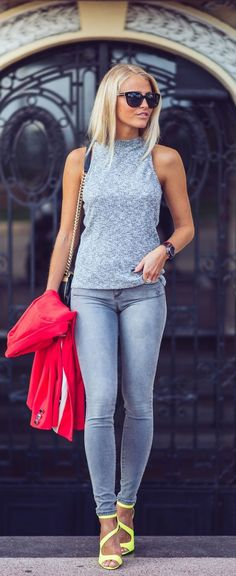 Grey cami, skinny jeans and neon heels.
