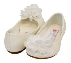 Cinderella Flats with Flower for Toddlers Shoe Color: Ivory Toddler Size: Toddler 8 Greatlookz,http://www.amazon.com/dp/B00DU06PSS/ref=cm_sw_r_pi_dp_0L76sb0N889TAVX2