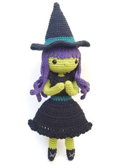 Wisteria The Witch Free Crochet Pattern Free Crochet Amigurumi Pattern For This Adorable Witch Halloween Crochet Patterns, Crochet Dolls Free Patterns, Crochet Doll Pattern, Amigurumi Patterns, Crochet Halloween Costume, Halloween Knitting, Amigurumi Toys, Softies, Halloween Fun