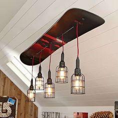 lustre design avec snowboard recyclé