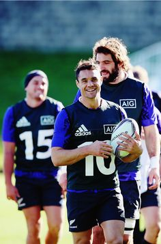Dan Carter of the New Zealand All Blacks Rugby Girls, Dan Carter, All Blacks Rugby, New Zealand Rugby, Rugby Players, Boyfriend Material, Athletes, Handsome, Joy