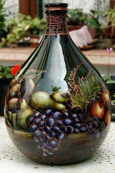 icu ~ DIY Vintage Bottles for Home Decor Glass Bottle Crafts, Wine Bottle Art, Painted Wine Bottles, Lighted Wine Bottles, Diy Bottle, Vintage Bottles, Bottle Lights, Bottles And Jars, Glass Bottles