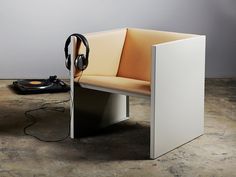 Minus tio - Lodger armchair by Mats Theselius and Andreas Roth