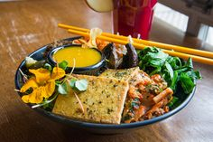 Vegetarian restaurants in Toronto are where to fill up and indulge in great flavour without eating animal products. There are now more places in th. Veggie Food, Veggie Recipes, Vegetarian Restaurants, Top 40, Food Hacks, Toronto, Veggies, Change, Spaces