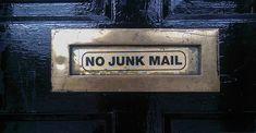 Se i clienti non aprono le email che inviamo, le cause possono essere molteplici. Ecco alcuni consigli per non finire tra i messaggi spam.