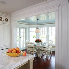 Marvelous French Country Dining Rooms Decoration Ideas - Page 85 of 99 French Country Dining, Country Dining Rooms, Kitchen Country, Tudor Kitchen, Dining Nook, Dining Room Design, Sunroom Dining, Small Dining, Round Dining
