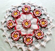 Lindo tapete em croche feito com flores rendinha, op��es de uso pode ser usado com centro de mesa