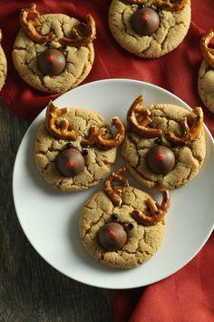 Reindeer Christmas Cookies | Christmas peanut blossom cookies | Peanut Butter Kiss Cookies for Christmas | Christmas cookie trays and cookie swaps or exchanges