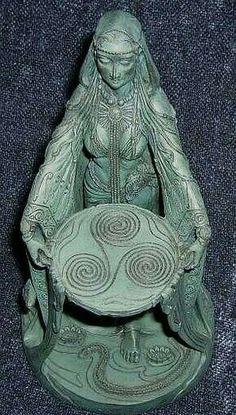 Celtic woman triskele