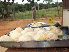 Receita do pão de queijo surgiu na serra mineira e veio por necessidade