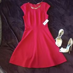 PRICE DROP NWT DR Collection red dress a-line Brand new with tags adorable red dress. Size 6. cinches at the waist then flares out Dresses Midi