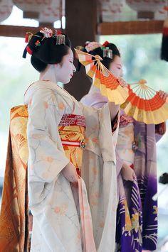 Pontocho maiko during Setsubun