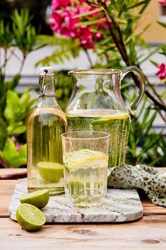 Yummy Drinks, Glass Vase, Canning, Food, Decor, Mint, Decoration, Essen, Meals