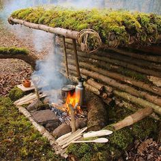 Survival camping tips Survival Shelter, Survival Life, Survival Food, Wilderness Survival, Camping Survival, Outdoor Survival, Survival Prepping, Survival Skills, Camping Hacks