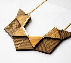 Plastron ORIGAMI - Necklace // plexi - plexiglas - doré - dore -or - laser - découpe - gravure - créateur - bijoux - bijou - Plexiglass - lasercut - lasercutting- cutting - engraving - creator - jewel - jewelry - bois - wood