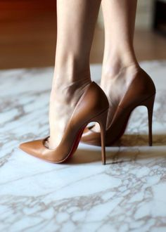 www.streetstylecity.blogspot.com Be inspired by the people in the street ! Christian Louboutin