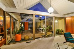 This Eichler Home in Granada Hills, CA, is a time capsule. Click on the image to read its story and see more of it.