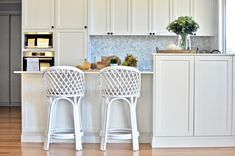 Kitchen reveal time! This Modern Hamptons style kitchen is a dream... come on in and take a look!