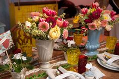 Wonderful table, isn't any wonder they were the winners. The color are repeated everywhere. Beautiful!!!