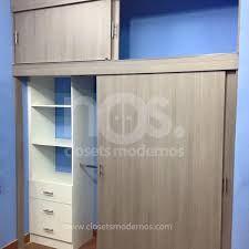 نتيجة بحث الصور عن Closets Modernos De Madera Puertas Corredizas Para Closet Puertas De Closet Closets Modernos
