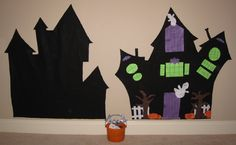 Halloween kid's project - Felt Haunted House - Cut out windows, doors, fence, trees, ghosts, bats, pumpkins... #halloweenkidsproject