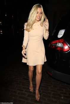 Peachy!The blonde beauty cut a retro figure without overstating any element of her look...