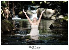 www.rightframe.net – Oahu Senior photography at waterfall. Honolulu, Hawaii, portrait, portraits, ideas, idea, waikiki, hawaiian , couple, photo, pictures, photos, pose, poses, posing, session, fun, waterfall, seniors, High school, graduation,
