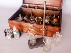 Vintage Chemistry Sets Show We Used to Be Way More Chill About Chemicals