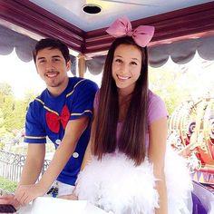 Delightful-Disney-Couples-Costumes-06