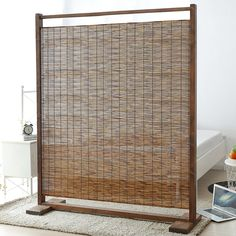 Simple, Freestanding Rustic Style Wood & Reed Single Panel Room Divider, Brown: Kitchen & Dining