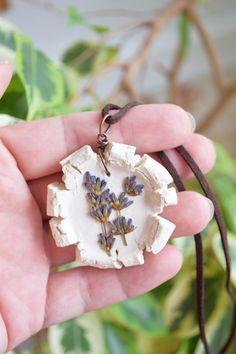 Lavender necklace Real flower pendant #necklace #flower #resin #lavender