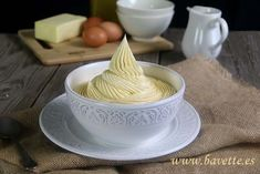 Crema de mantequilla francesa para pasteles - Bavette Buttercream Frosting, Sweet Tooth, Muffins, Dairy, Eggs, Pudding, Cheese, Desserts, Gastronomia