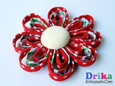 Fiore in tessuto realizzato con bias Satin Ribbon Flowers, Fabric Flowers, Diy Hair Accessories, All Flowers, Handmade Flowers, Diy Hairstyles, Sale Items, Hair Bows, Headbands