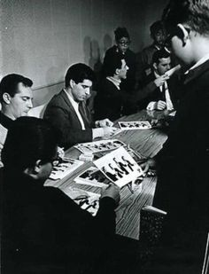 Signing for their fans Bob Gaudio, Tommy Devito, 20th Century Music, Frankie Valli, Jersey Boys, Motown, Kinds Of Music, Four Seasons