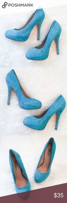 """STEVE MADDEN Platform Pumps Stiletto Heels Shoes """" STEVE MADDEN """"      Platform Pumps     Leather Upper     Stiletto Heels      Turquoise Blue  Size : 6  Heels : 5""""  Great used condition. Some minor stains but overall they are clean and still have a lot of life in them.  Please see the pictures.  Thank you for looking my item.  Please check out my items. Steve Madden Shoes Heels"""